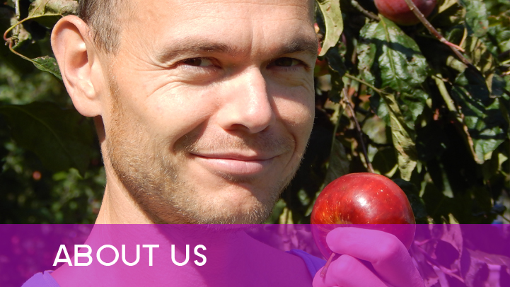 About us - Petr with apple